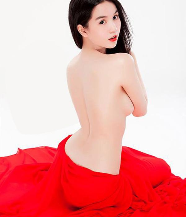 anh-khoa-than-khong-che-3